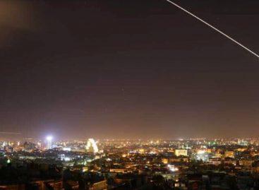 En operación conjunta Estados Unidos, Francia y Reino Unido bombardean bases militares en Siria (VIDEO)