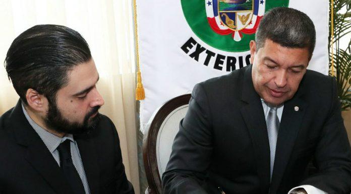 nuevo embajador panameño en Cuba
