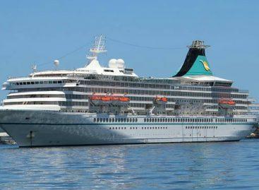 Arriba cuarto crucero del año a Isla Colón