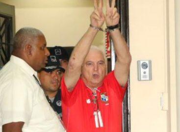 Martinelli acudió con la camiseta de la Sele a su audiencia: «Soy un perseguido político»