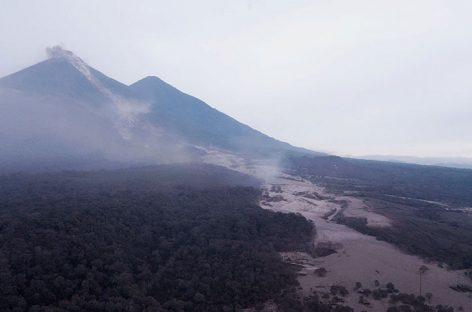 Guatemala pedirá apoyo internacional por emergencia causada por volcán Fuego