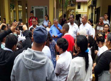Con represión terminó protesta de docentes del programa Panamá Bilingüe