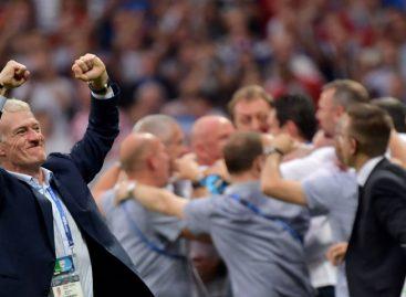 Didier Deschamps será seleccionador francés hasta 2020
