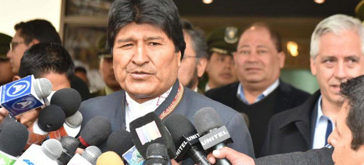 """Evo Morales ve """"injerencia"""" de Estados Unidos en pedido de cárcel para Correa"""