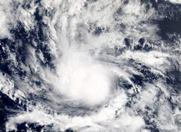Huracán Chris bajó a categoría 1 rumbo al noreste del Atlántico