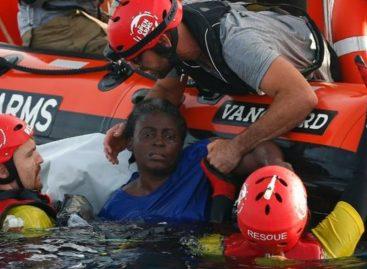 Impactante: Descubren a una náufraga aferrada a dos cuerpos en el Mediterráneo