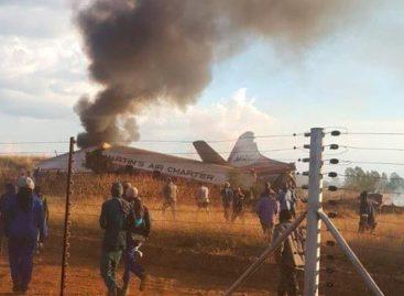 Al menos un muerto y 19 heridos al estrellarse una avioneta en Sudáfrica