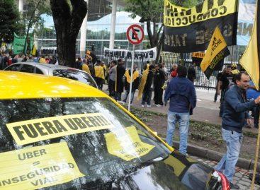 Taxistas bloquearon centro de Buenos Aires para protestar contra Uber