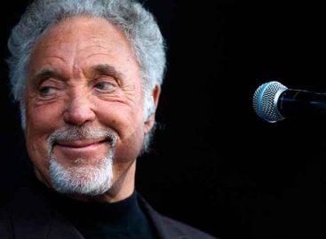 Tom Jones canceló dos conciertos por una infección bacteriana