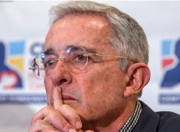 Uribe renunció a su escaño en el Senado tras ser citado por la Corte Suprema