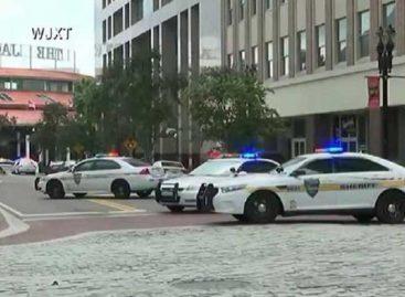 """Reportaron """"múltiples víctimas"""" mortales tras tiroteo en un mall de Florida"""