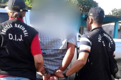Detenido pervertido que cometía actos libidinosos frente a colegio en Herrera