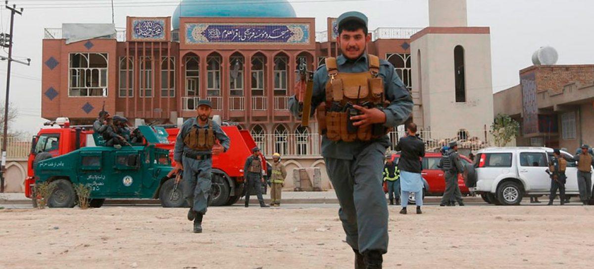 Atentado suicida en Mezquita de Afganistán dejó 25 muertos