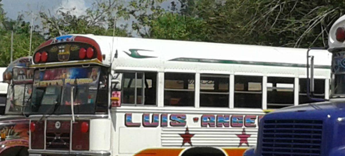 Ladrones fuertemente armados asaltaron bus de ruta La Chorrera-Panamá