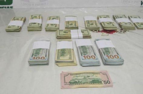 Sorprenden a sujetos en área fronteriza de Paso Canoas con más de 50 mil dólares