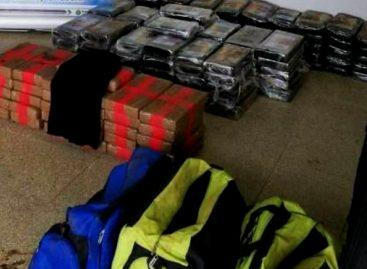 Decomisan 372 paquetes de droga en dos operativos