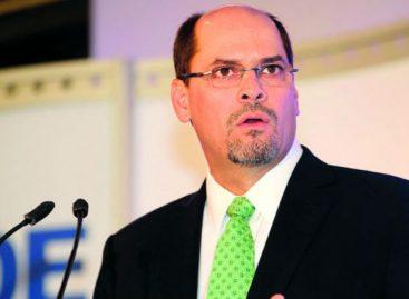 José Domingo Arias declina a candidatura presidencial por el partido Alianza