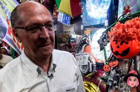 """Alckmin pidió evitar la """"insensatez"""" de elegir entre Bolsonaro y Haddad"""