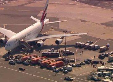 Avión procedente de Dubái fue puesto en cuarentena tras aterrizar en Nueva York