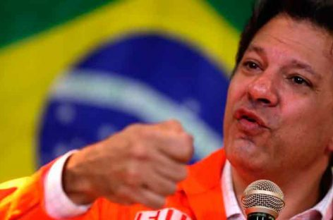 Sondeo confirma polarización en Brasil entre Bolsonaro y Haddad