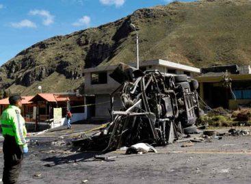 Accidente de autobús en Ecuador dejó cinco muertos y 27 heridos