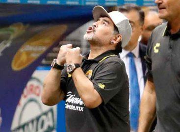 Maradona consiguió su primera victoria en suelo mexicano