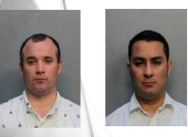 Santo Cristo: Arrestan a dos sacerdotes sosteniendo relaciones sexuales orales en un auto
