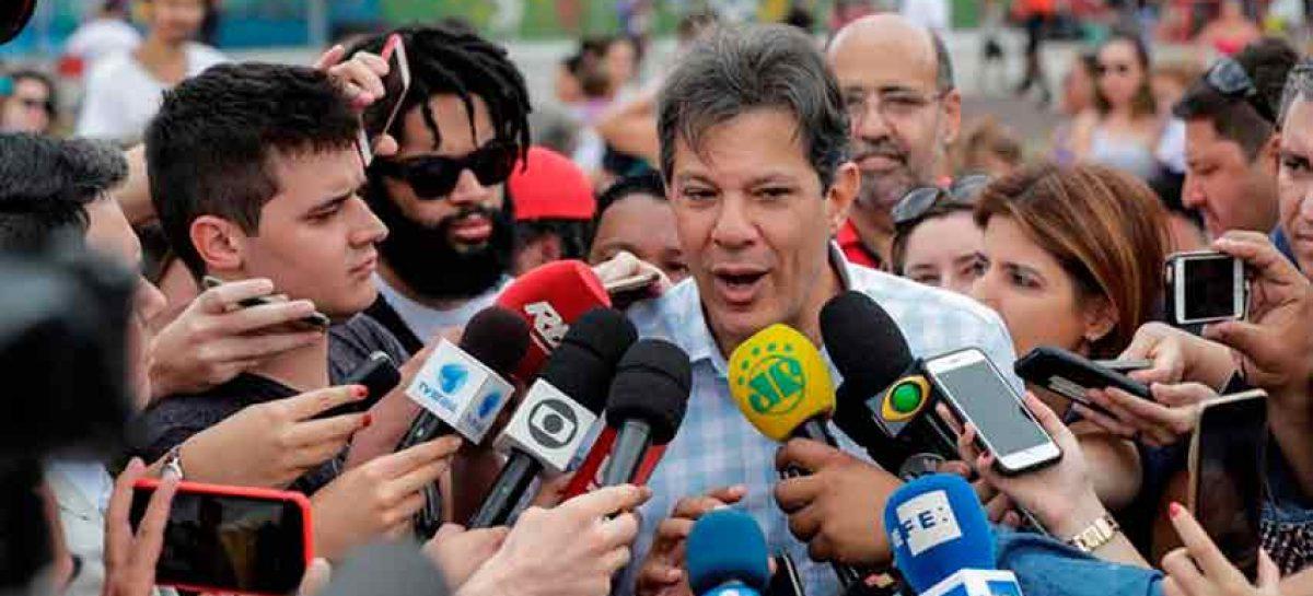 Haddad advirtió que Bolsonaro regularizará milicias como pasó en Filipinas