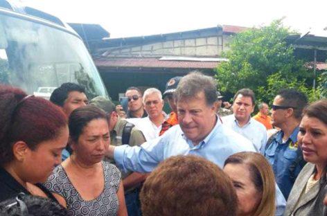 Varela se reunió en la Morgue con familiares de los fallecidos en crecida de río en Ngäbe Buglé
