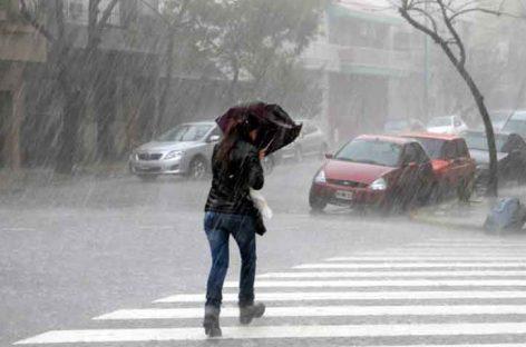 Lluvias y tormentas se mantendrán por paso de Onda Tropical número 25