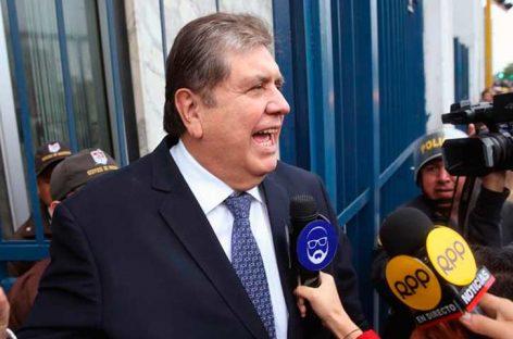 Alan García cumplió una semana sin salir de residencia de embajador de Uruguay