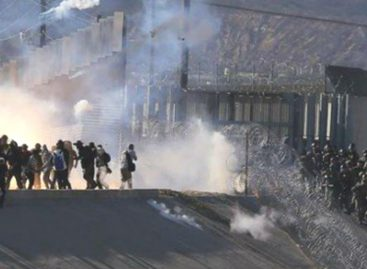 Tensión en Tijuana por inmigrantes centroamericanos que intentaron pasar a EE.UU. a la fuerza (+Videos)