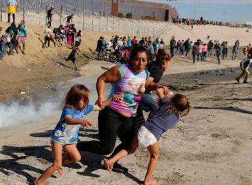 México deportó 98 migrantes tras disturbios en frontera con EEUU