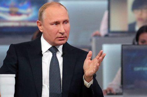Putin condenó intentos de cambiar situación en Venezuela por la fuerza