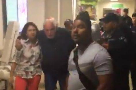 «Me quieren matar», gritó Martinelli durante traslado abrupto al Hospital Santo Tomás (+Videos)