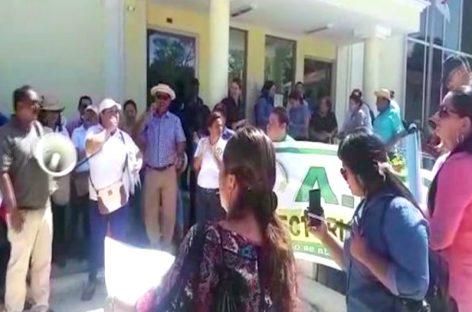 Mantienen cautelar de firma periódica a dos productores tras protestas en Veraguas