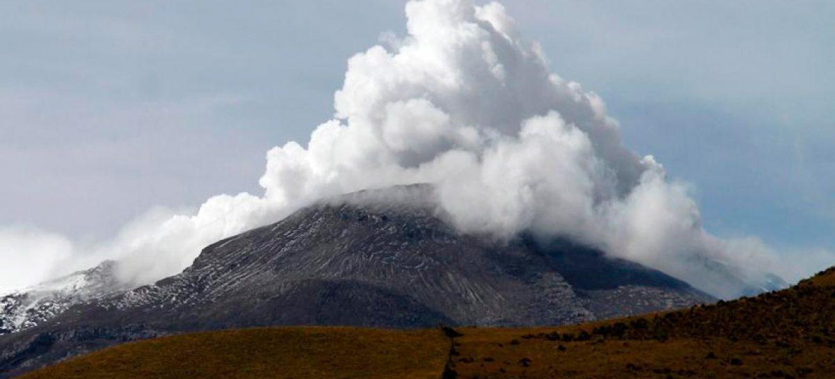 Volcán colombiano Nevado del Ruiz registró incremento en su actividad sísmica