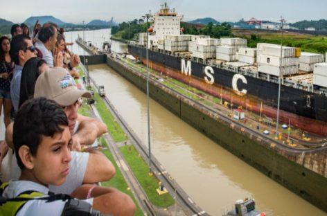 Miles de peregrinos visitaron el fin de semana el Canal de Panamá