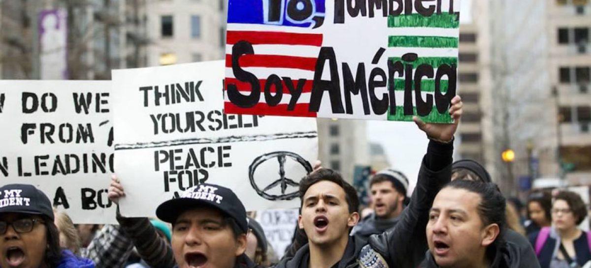 Trabajadores federales en EEUU reclaman fin del cierre administrativo