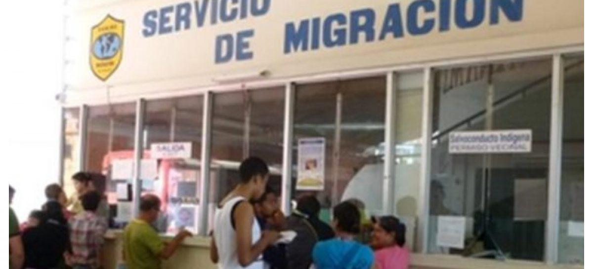 Migración retuvo a 26 extranjeros sin permiso en Merca Panamá