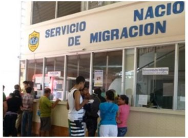 Migración extiende vigencia de permisos de residencia a extranjeros
