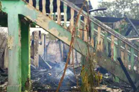 Se incendió otro caserón en Colón