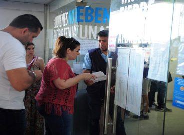 Cientos de personas esperan en Argentina por la vacuna de la fiebre amarilla