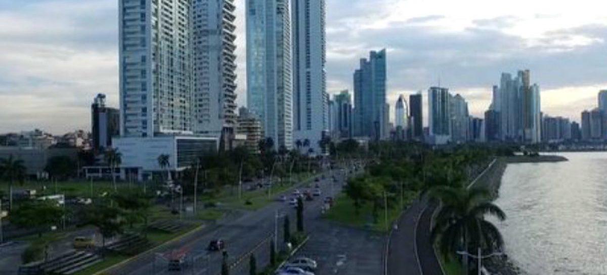 Panamá celebra exclusión de lista de paraísos fiscales de la UE