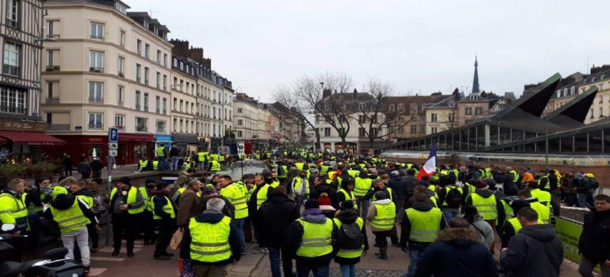 """Condenadas 1.795 personas por los disturbios de los """"chalecos amarillos"""""""