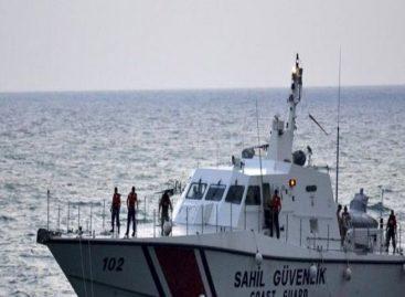 Turquía detiene a 118 migrantes irregulares que se dirigían por mar a Grecia
