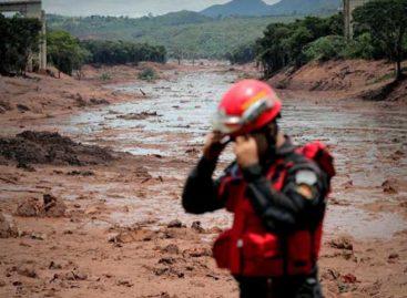 Número de víctimas mortales por tragedia de presa en Brasil subió a 165