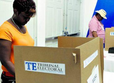 Hay más mujeres que hombres inscritas en el Padrón Electoral de los comicios de mayo