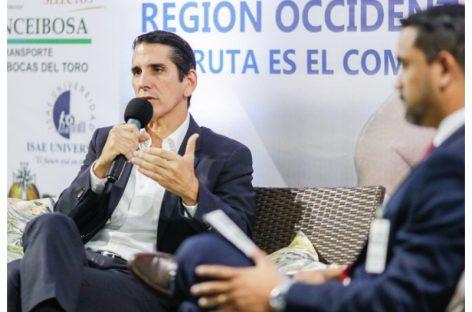 Roux plantea estimular polos de desarrollo de alto impacto más allá del Canal