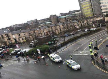 Evacuada Universidad de Glasgow tras detectarse paquete sospechoso